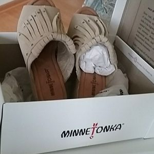 Minnetonka sandals with heels new in box